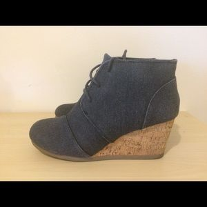 Maurices Colby Cork Wedge size 8.5